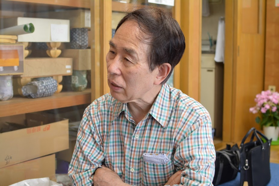 Tokujiro-san is recalling his father and brother's passion as board craftsmen
